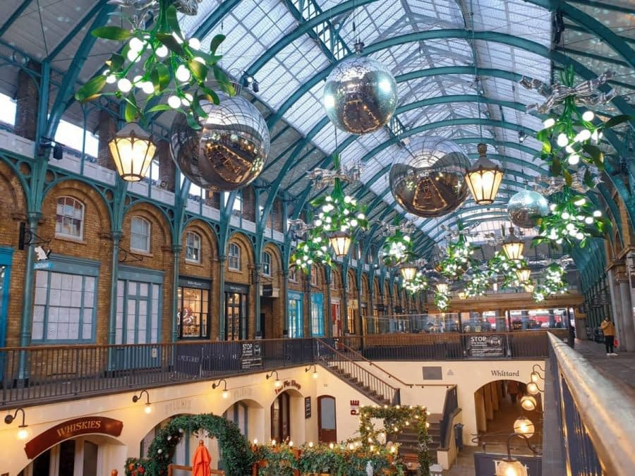 Incredible Christmas Light Displays in London